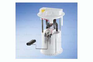 Unité d'injection de carburant, dans le réservoir de carburant